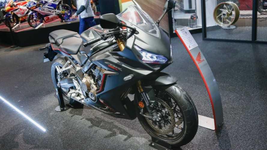 """Honda CBR650R, una media """"fuoco e fiamme"""""""