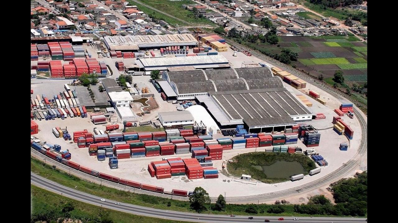 Ford inaugura novo centro de exportação de peças no Brasil