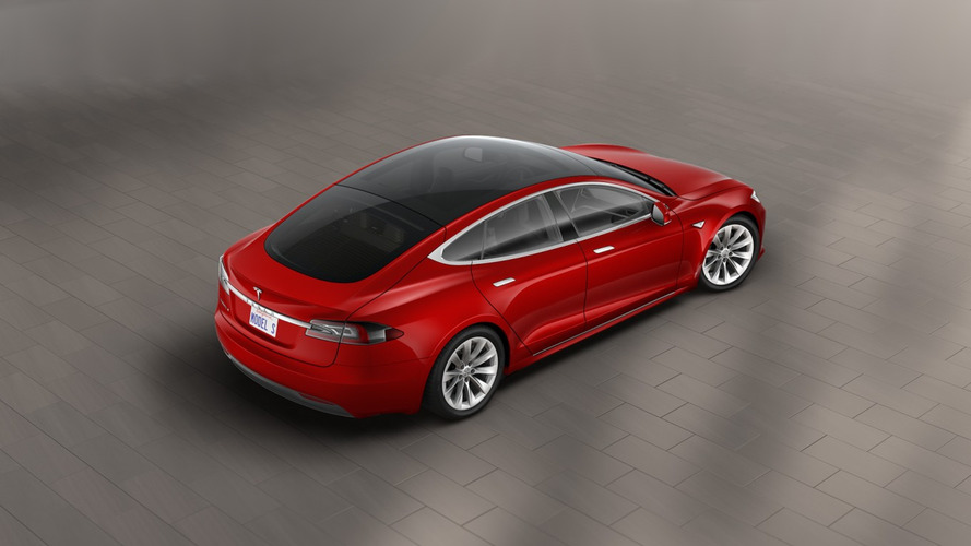 Tesla discontinues Model S P90D, introduces glass roof option