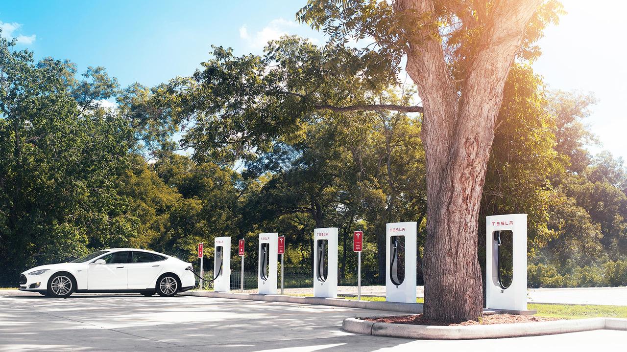 Tesla Supercharger Ağı