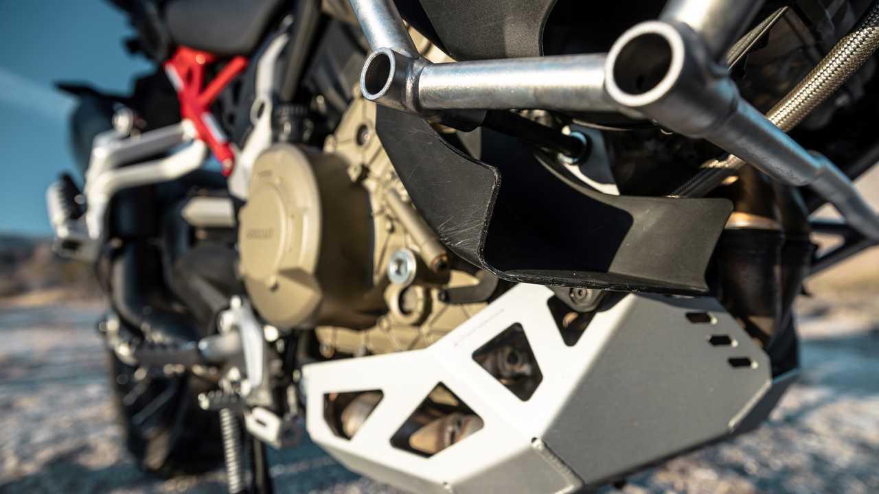 2021 Ducati Multistrada V4 S - Winglets