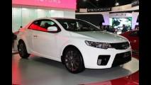 Após queda nas vendas, Kia reduz preços do Cerato