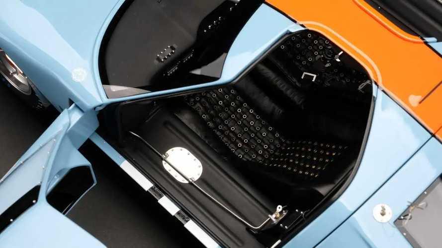 Amalgam 1:8 Scale Ford GT40