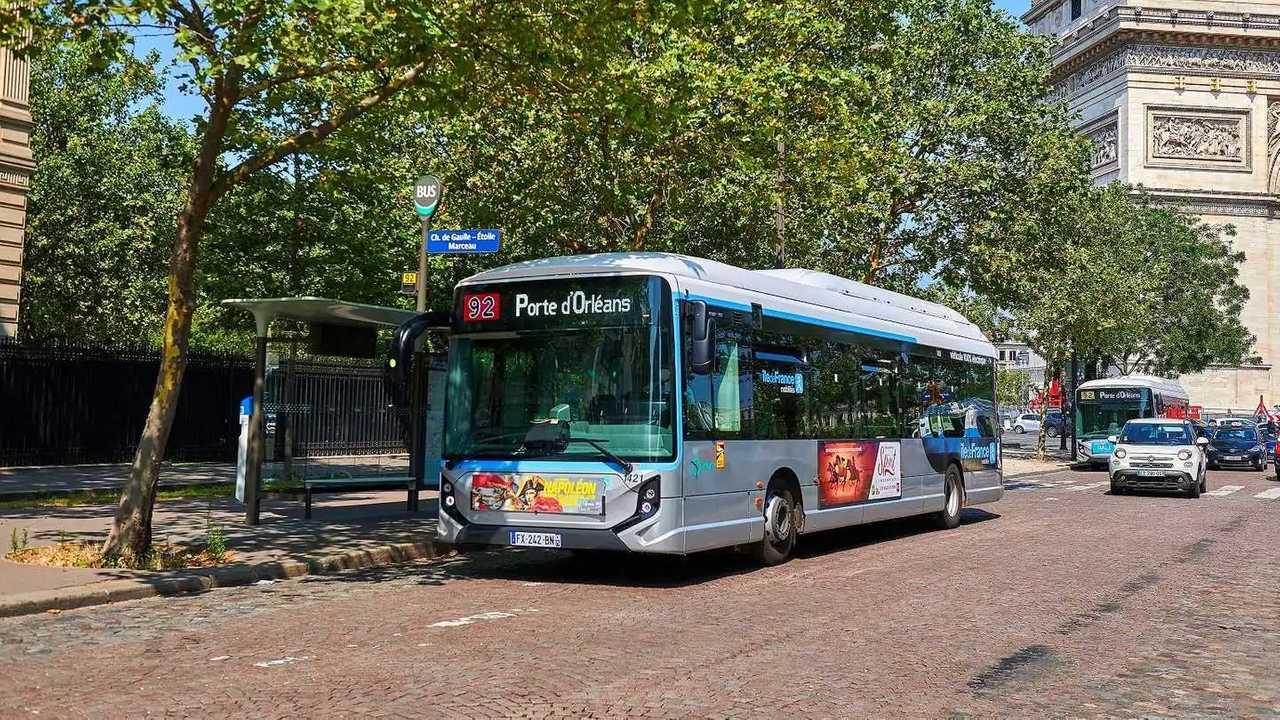 Iveco, fornitura di bus elettrici per la città di Parigi