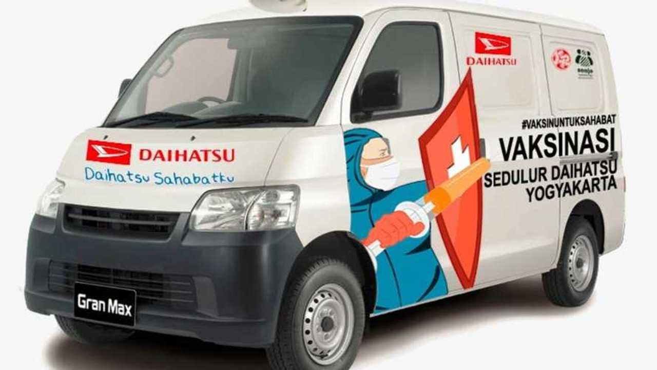 Daihatsu Gran Max jadi mobil vaksin keliling.