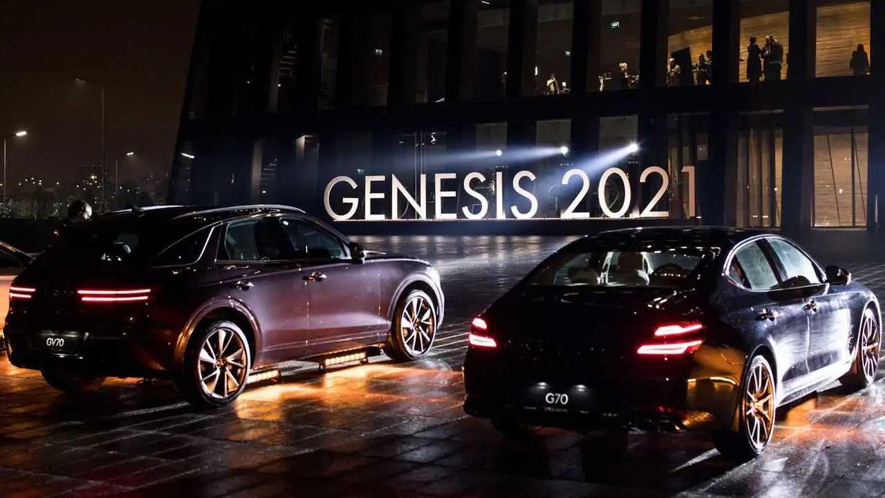 Премьера кроссовера Genesis GV70 и седана G70 в России