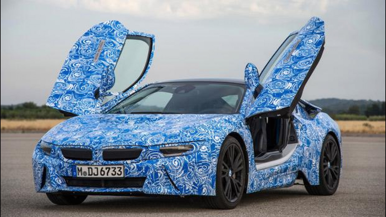 [Copertina] - BMW i8, l'ibrida da 362 CV e 2,5 l/100 km