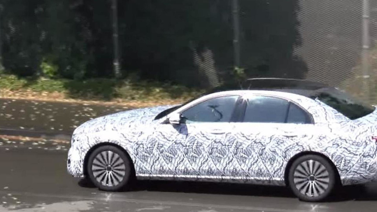2016 Mercedes-Benz E-Class prototype screenshot from spy video
