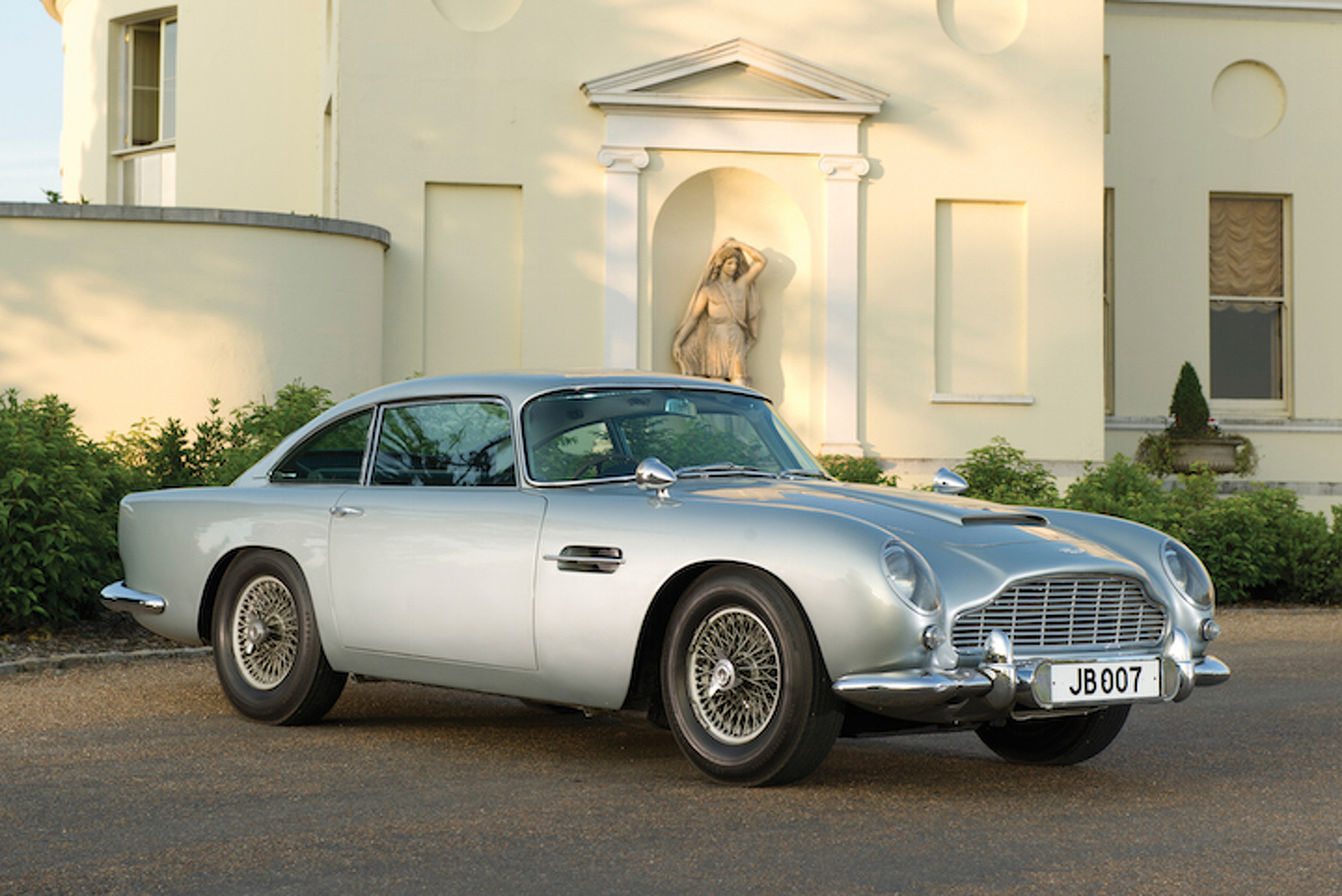the 10 most expensive bond cars ever sold at auction. Black Bedroom Furniture Sets. Home Design Ideas