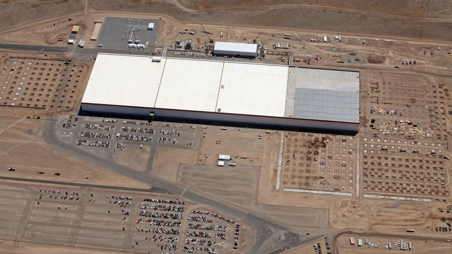 VIDÉO - La Tesla Gigafactory s'agrandit à vue d'œil