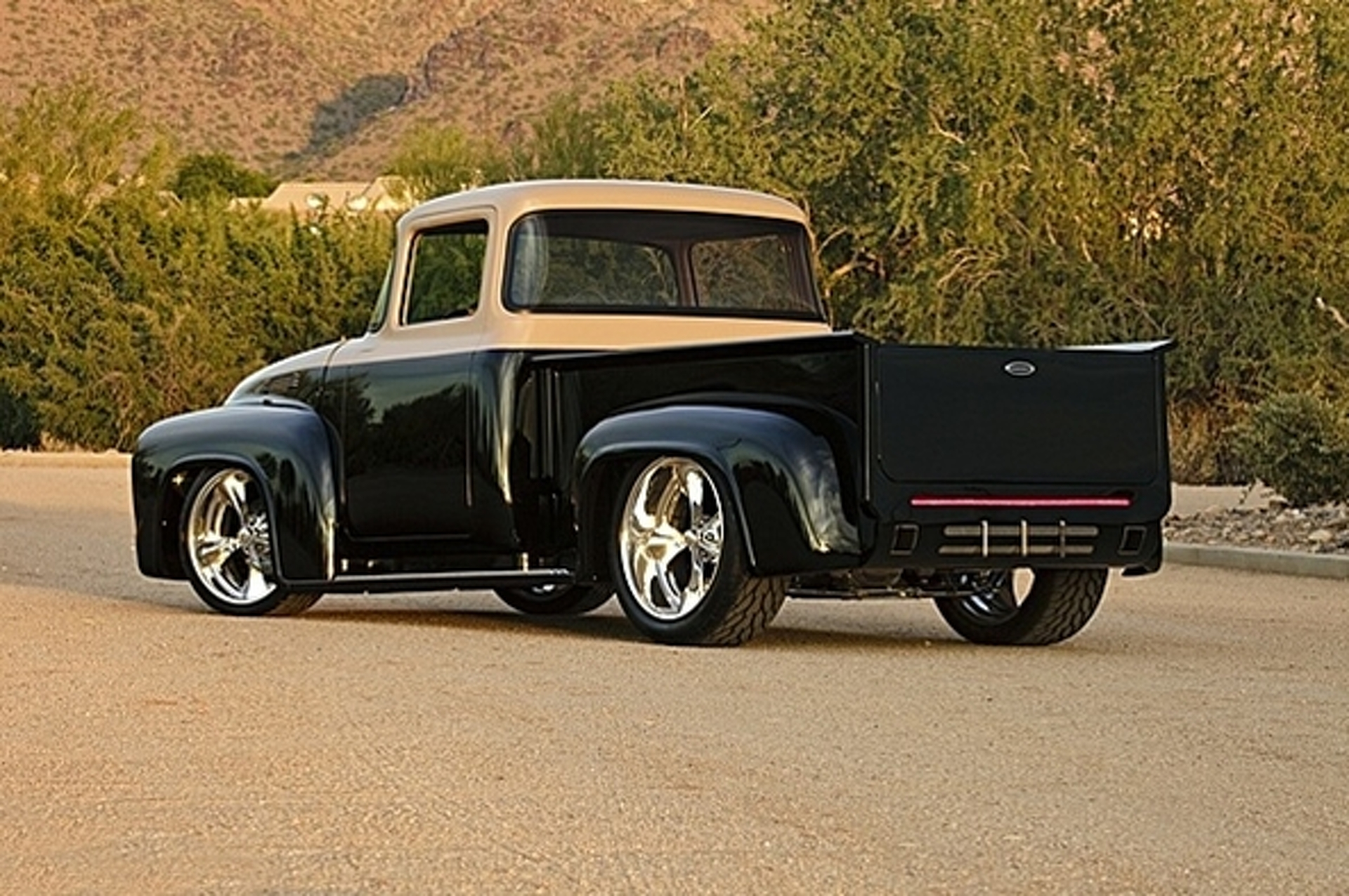 This Stunning Custom Ford F100 Turns Car Guys Into Truck 1954 Pickup