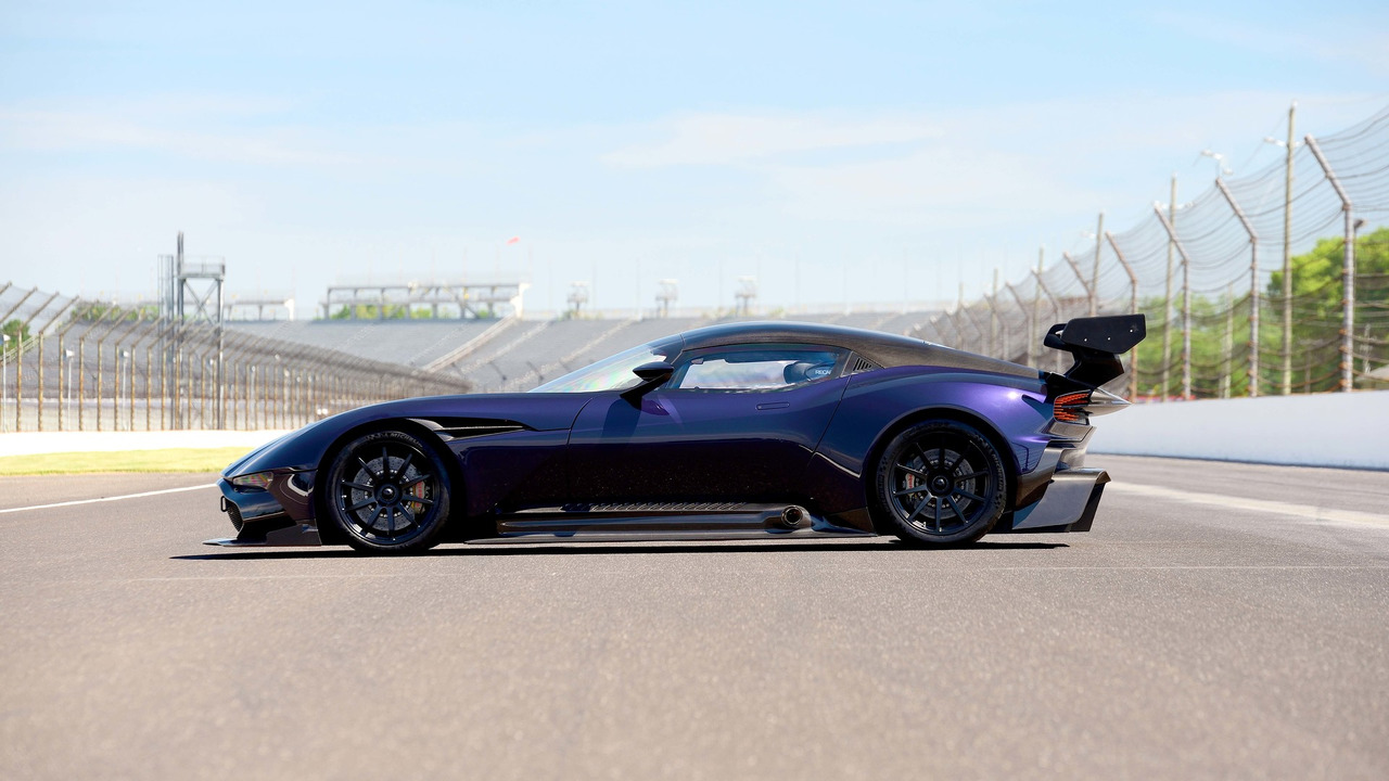 Aston Martin Vulcan Up For Auction Motor1 Com Photos