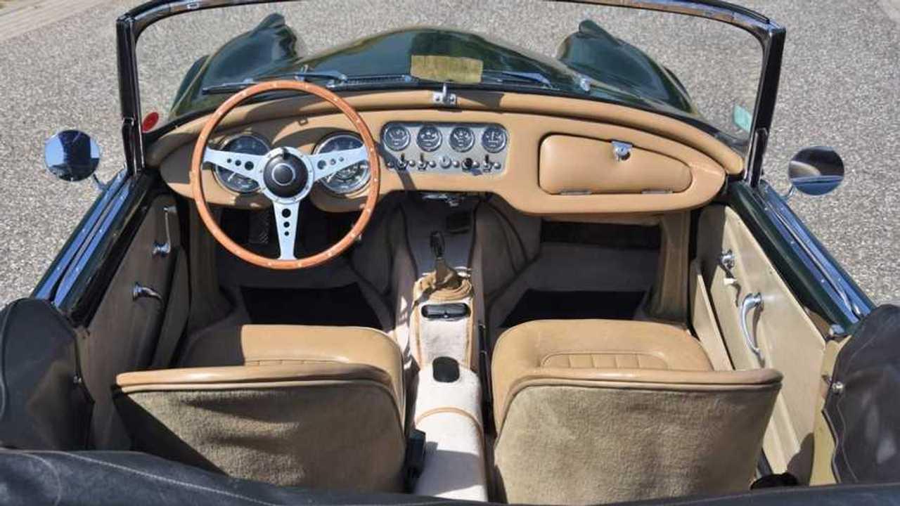 1961 Daimler SP250