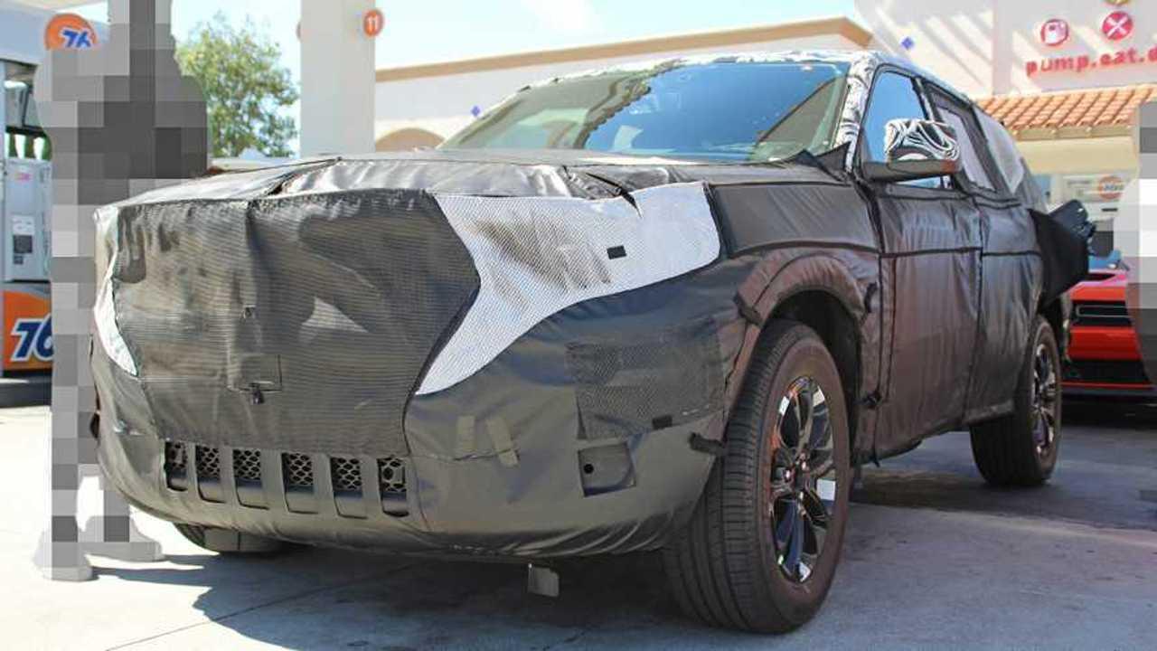 Фото прототипа нового Jeep Grand Cherokee