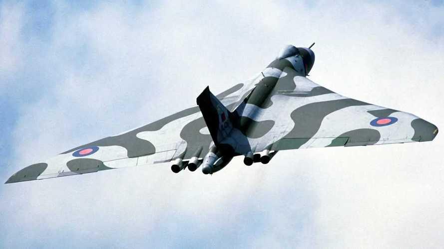 Aston Martin Vulcan in Vulcan Bomber livery