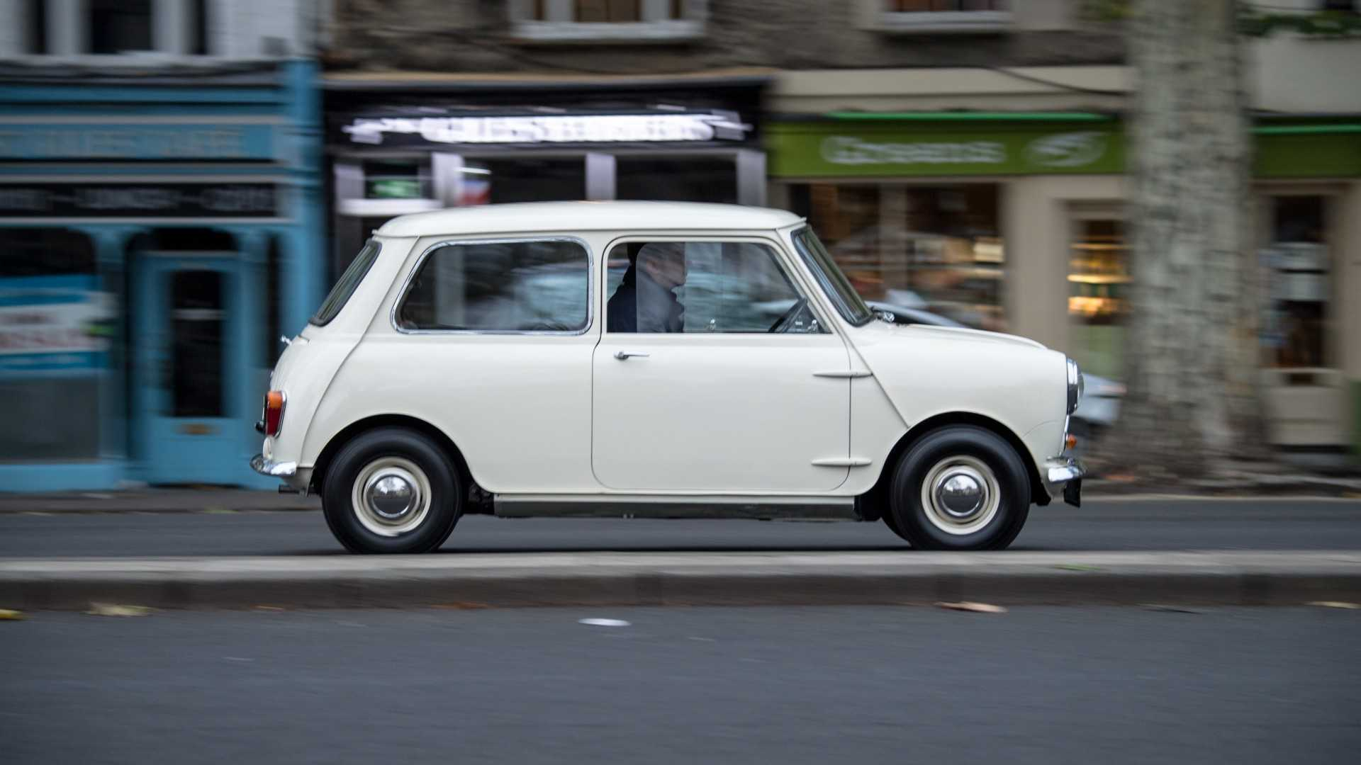 How To Buy The Perfect Classic Mini Motorious