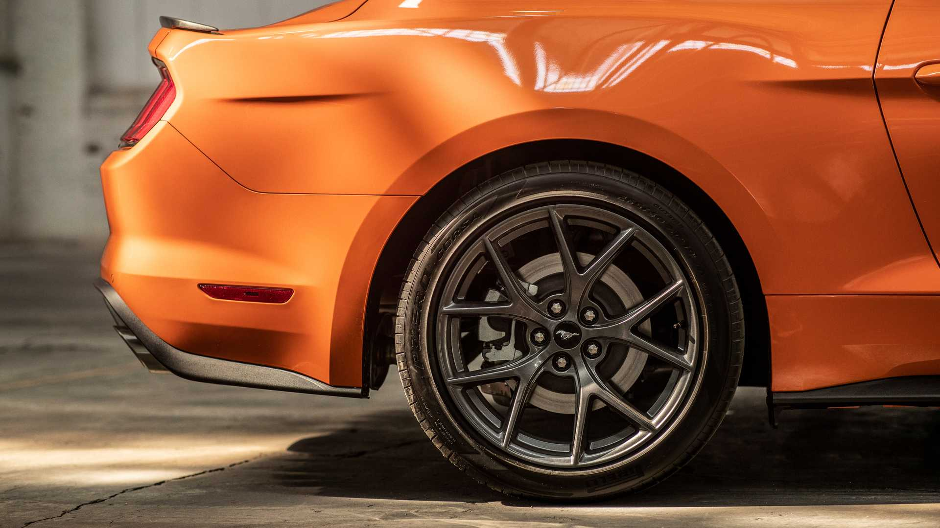 Ford представил 330-сильный Mustang 2.3L High Performance Package