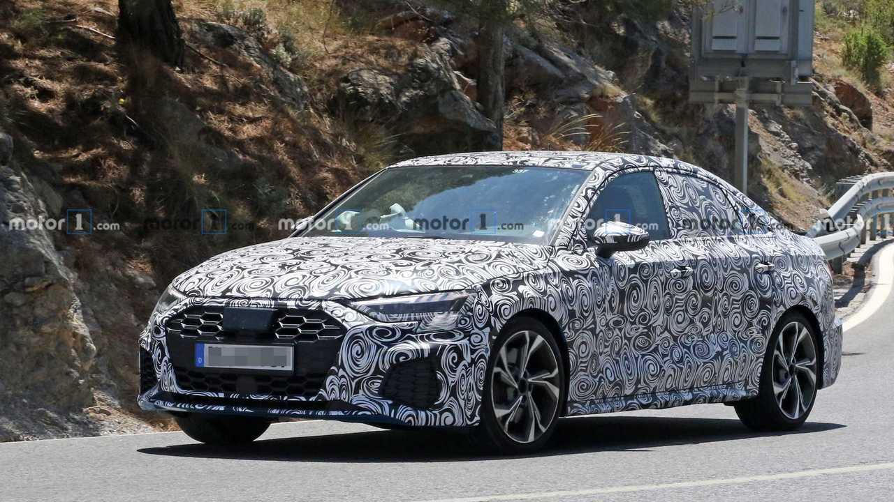 Фото Audi S3 Sedan Spy 2020