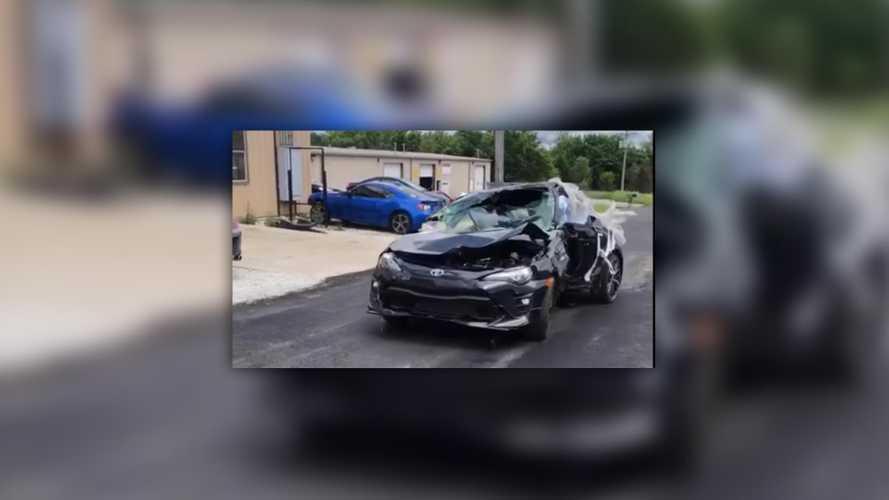 Videó: Rommá tört a Toyota 86, de még így is szépen megy