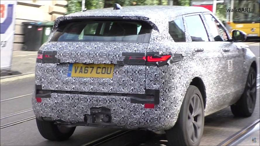 Nuova Range Rover Evoque screenshot da un video spia