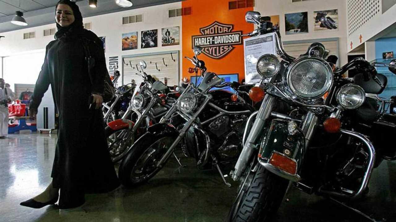 Saudi Women Start Their Own Harley Club 'Ladies of Riyadh'