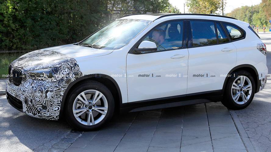 BMW X1 Refresh Spied Showing Off Its New Lights