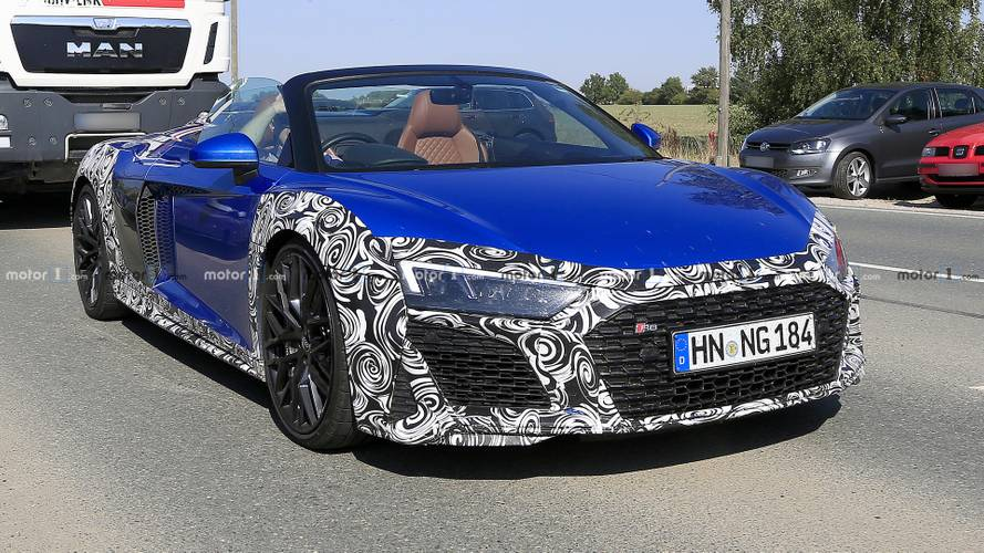 Audi R8 Spyder facelift RHD prototype photographed up close