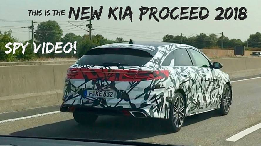 Kia ProCeed sighted on the Autobahn with thin camo wrap