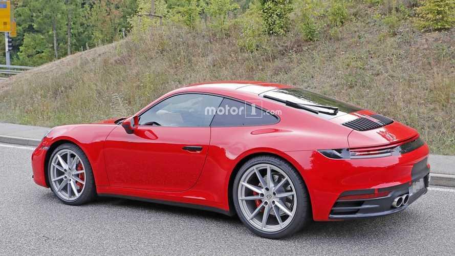 Plusieurs prototypes de la Porsche 911 sur la route