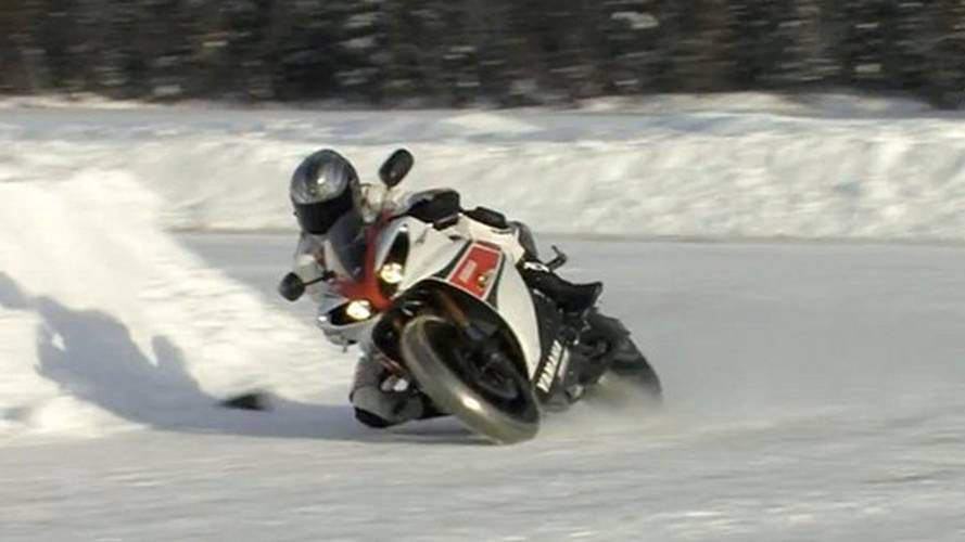 R1 vs Porsche, in the snow