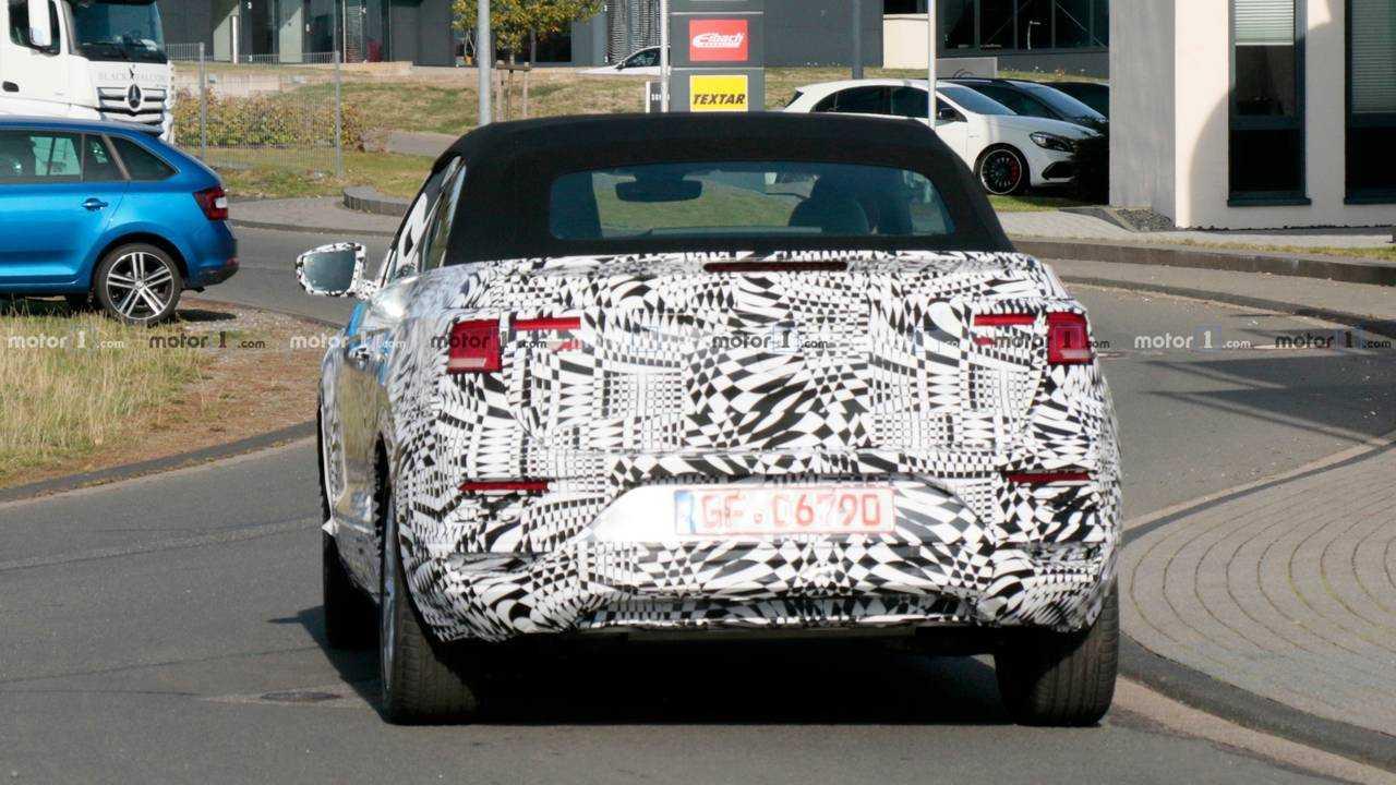 VW T-Roc Cabrio Spy Photo