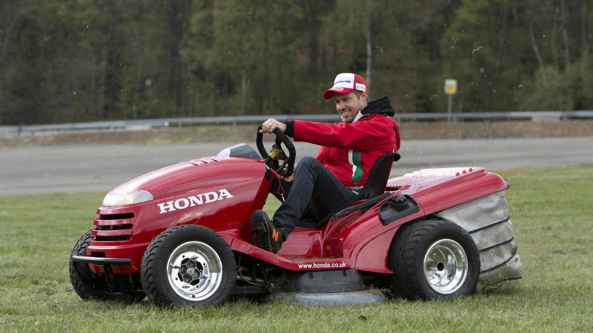 Tiago Monteiro Tackles Spa Francorchamps On The Honda Mean Mower Video