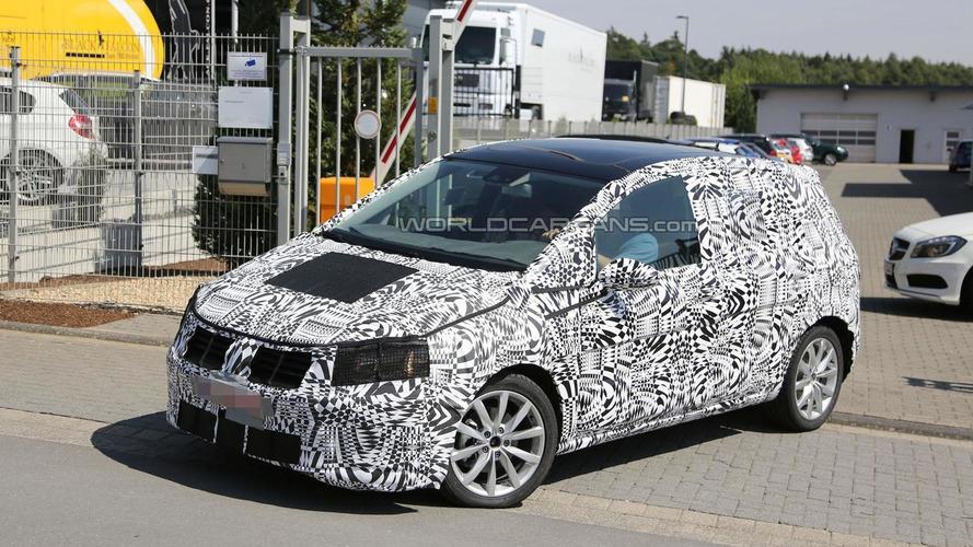 2014 Volkswagen Golf Plus spied up close