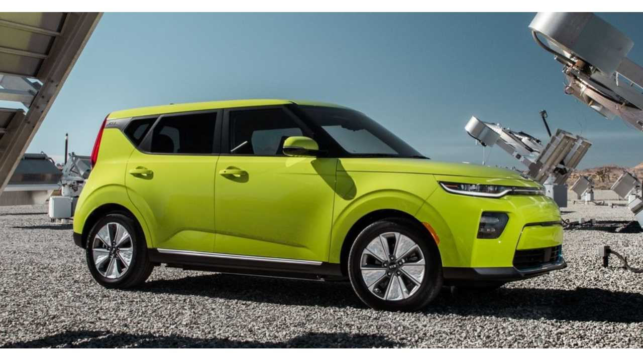 2020 Kia Soul EV Charges Into LA With Massive 64-kWh Battery