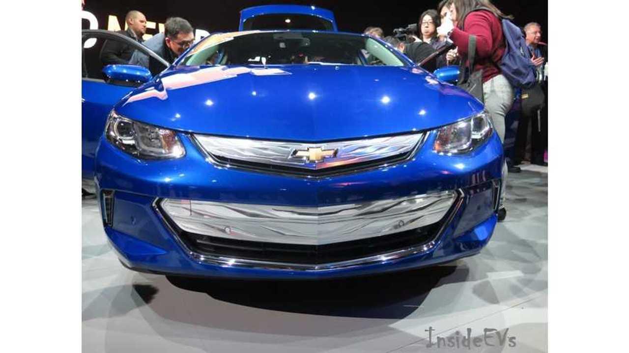 2016 Chevrolet Volt NAIAS front full