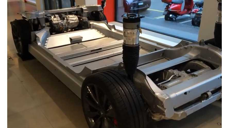 Video Of Cutaway Tesla Model S P85D