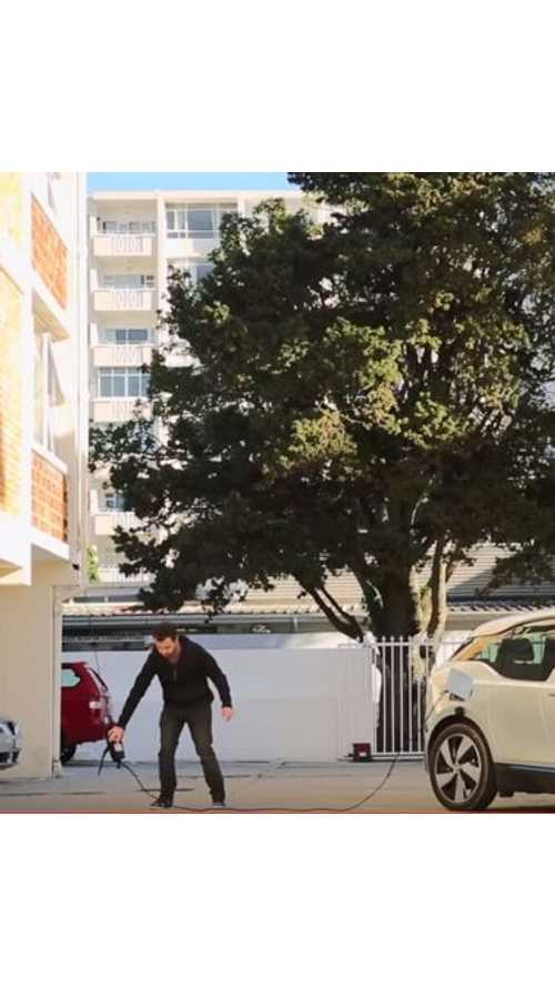 Charging A BMW i3 From A 4th Floor Apartment - Video