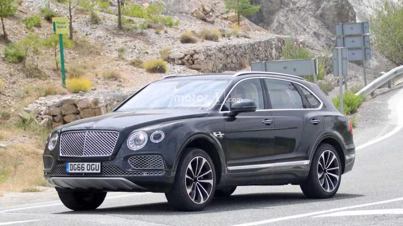 Bentley Bentayga Plug-In Hybrid Spied