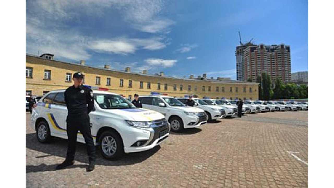 Mitsubishi Motors Delivers 635 Outlander PHEVs to Ukranian Police