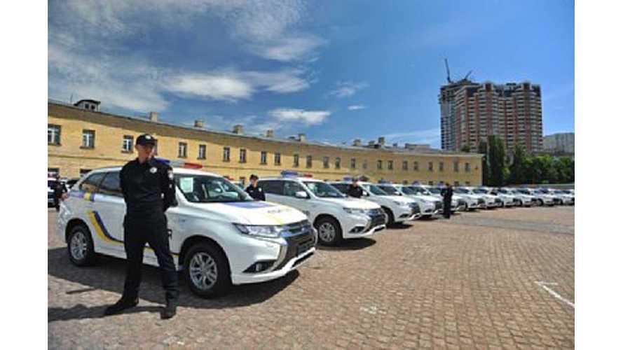 Mitsubishi Delivers 635 Outlander PHEVs To Ukrainian Police