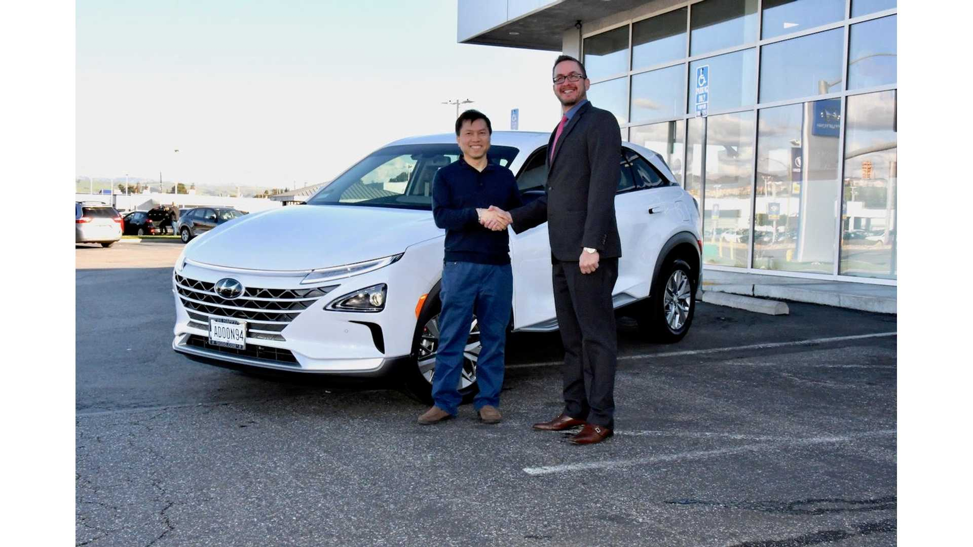 First 2019 Hyundai Nexo Hydrogen Fuel Cell SUV Delivered In