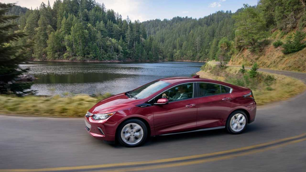 The All-New 2016 Edition Of The Chevrolet Volt Enjoyed Its First Full Month On The Market In The US (well, at least in 11 states anyway)