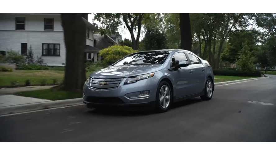 Chevy Dealer Explains Why Chevy Volt Is Better Than Nissan LEAF - Video