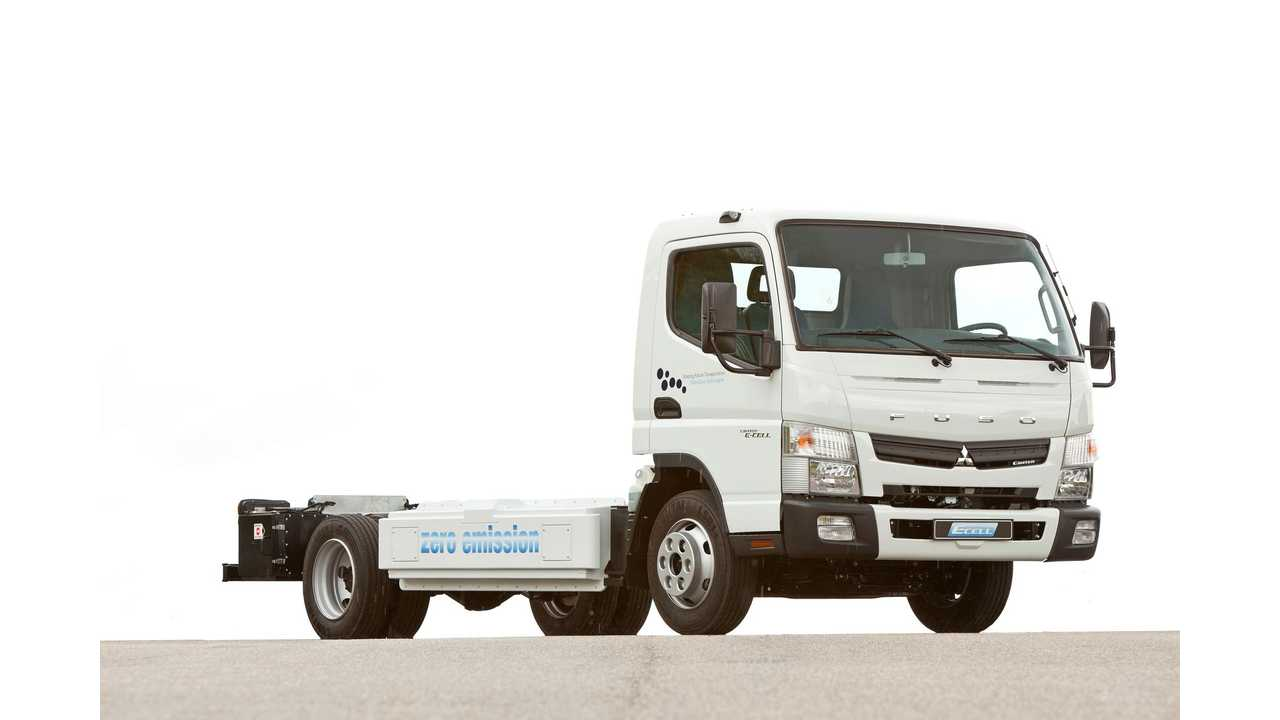 Daimler Demonstrates New FUSO Canter E-CELL Zero Emission Truck