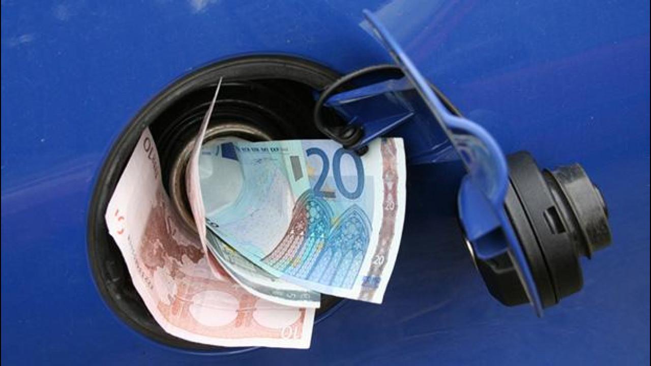 [Copertina] - Crisi in Medio Oriente, rincari benzina in arrivo