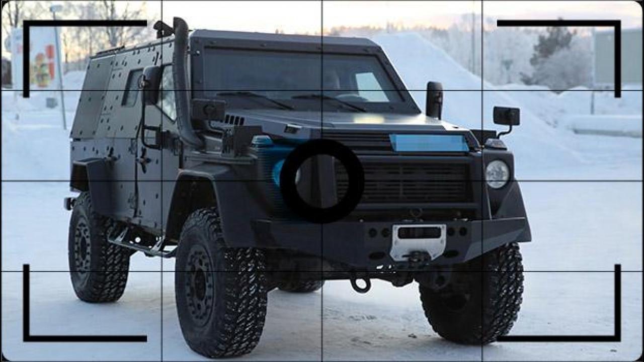 """[Copertina] - Mercedes Classe G, la nuova è nascosta in un veicolo """"tattico"""""""