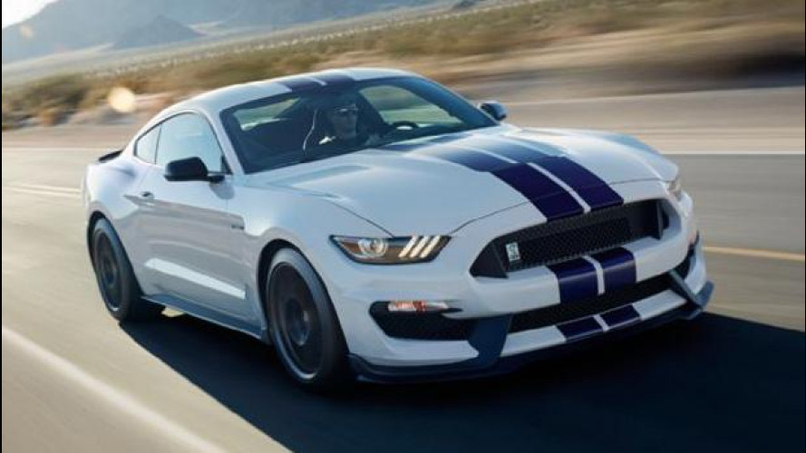 Ford Mustang Shelby GT350, il 5.2 V8 urla a 8.250 giri