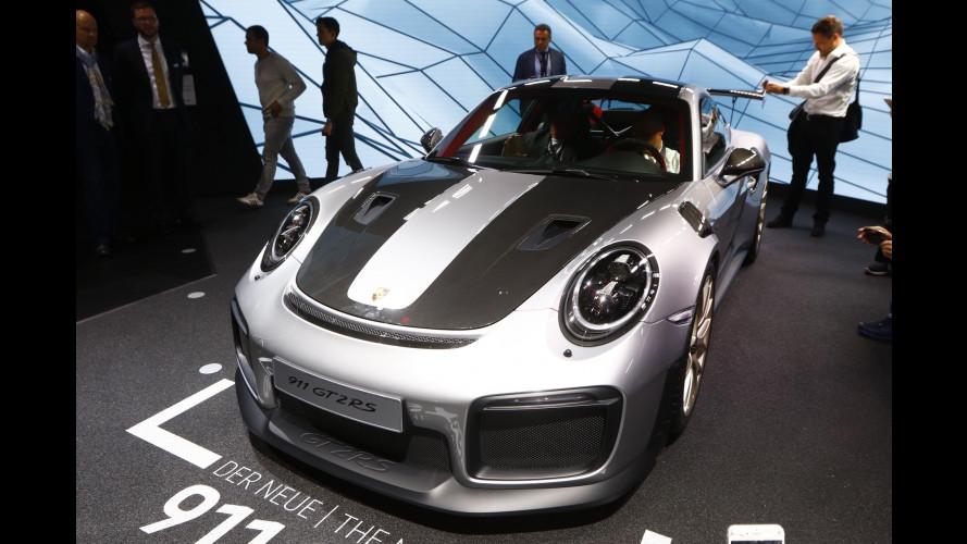 Nuova Porsche Cayenne, a scuola di Panamera e 911 [VIDEO]