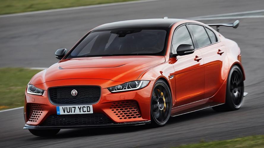 Jaguar, la XE SV Project 8 sfida la Giulia Quadrifoglio