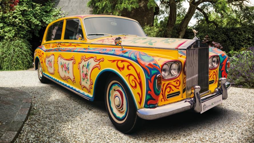 L'incredibile Rolls-Royce di John Lennon è in mostra a Londra
